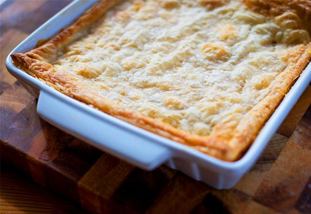Super suculenta e cremosa! Torta de Frango para até 35 pessoas de R$80 por apenas R$55,90 na Casa da Massa