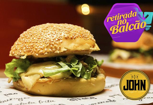 Difícil resistir! John Burger ou Classic Burger ou Pork Burger de R$18,90 por apenas R$14,90 no John Burger