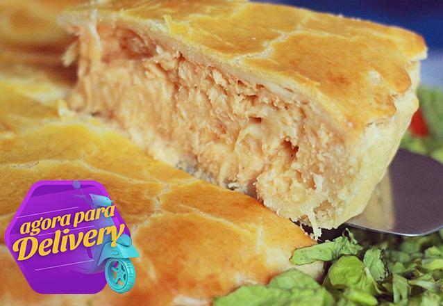 Torta Frango de 1,5kg de R$87 por apenas R$75 (para até 8 pessoas)