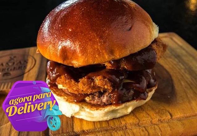 1 Burger Onions (Carne de 130g pão artesanal, queijo prato, cebola onions e molho barbecue) de R$24,90 por apenas R$14,90 no Pastas and Burgers. Válido para Delivery!