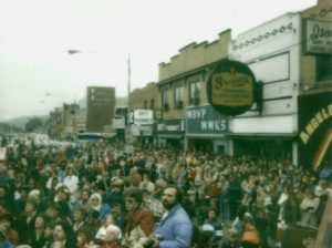 Crowd on 7th ave for Jimmy Carter 1980