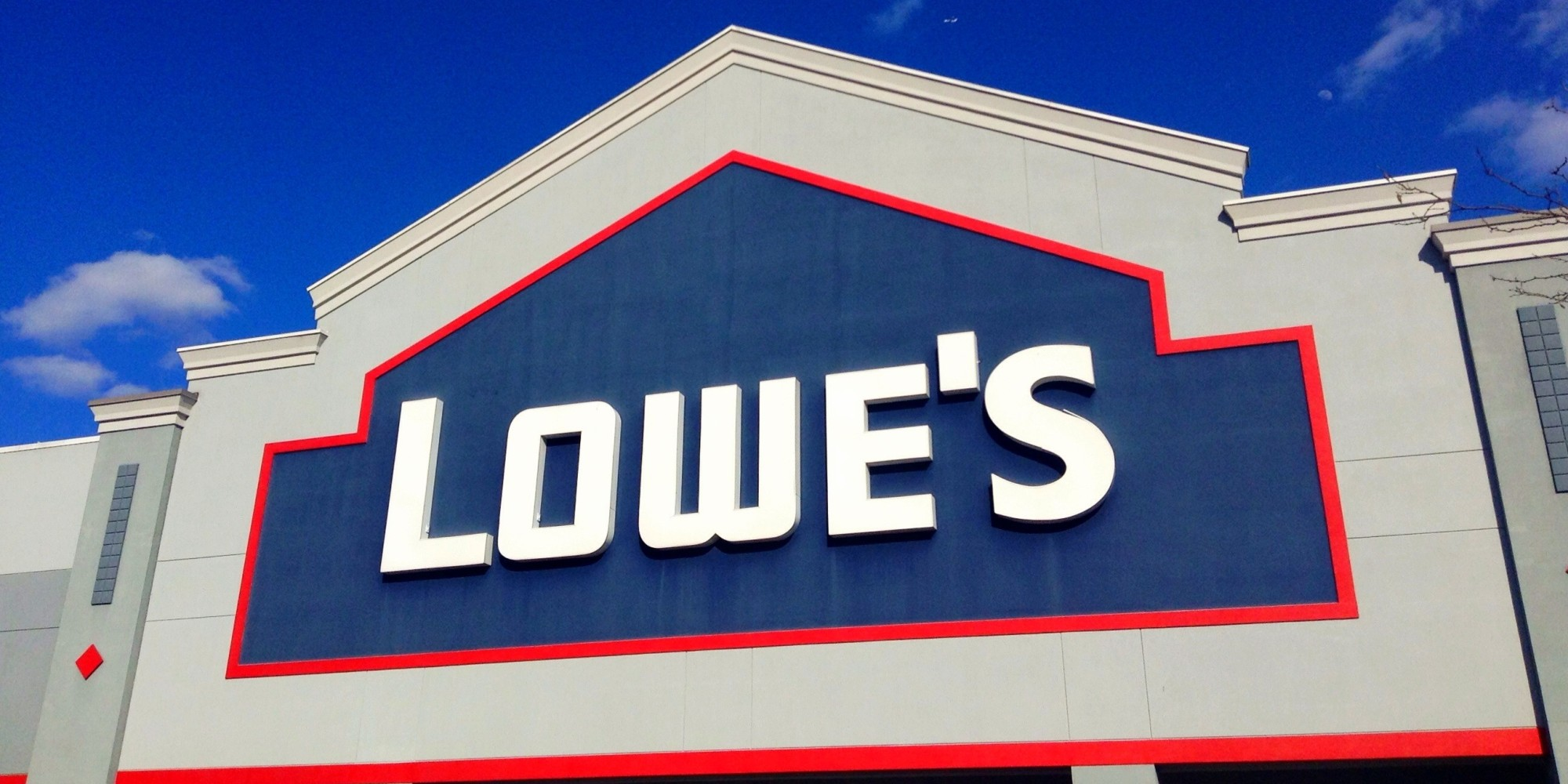lowe s Lowe's innovation labs is developing powerful new augmented, mixed and virtual reality tools to transforming the customer experience our ar/vr tools assist our customers with designing, visualizing and even navigating the store.