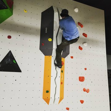 Zack on the Crack👊👏💪@jamwallsclimbing #crackclimbing   #indoorclimbing #indoorbouldering #bigfootisreal #bigfootsighting