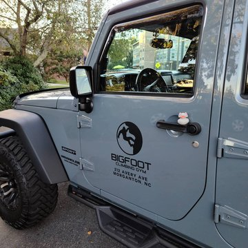 The other night at Bigfoot I got @duckduckjeep someone left a cool duck on my jeep❤ #duckduckjeep #jeep #jeepwrangler #bigfootisreal ##bigfootsighting #jeeplife