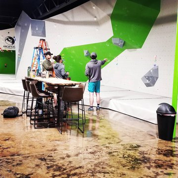 Getting ready to set that High School Comp wall 🙌❤ the final smack down never happened...it will be here waiting for you!!💪 #reopennc #downtownmotown #downtownmorganton #indoorclimbing #routesetters phsboulderingteam freedomhsofficial thetravelingsmith cl