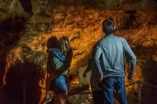 Linville lCaverns Family.jpg