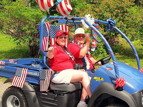 lsjuly4thparade2hollifields