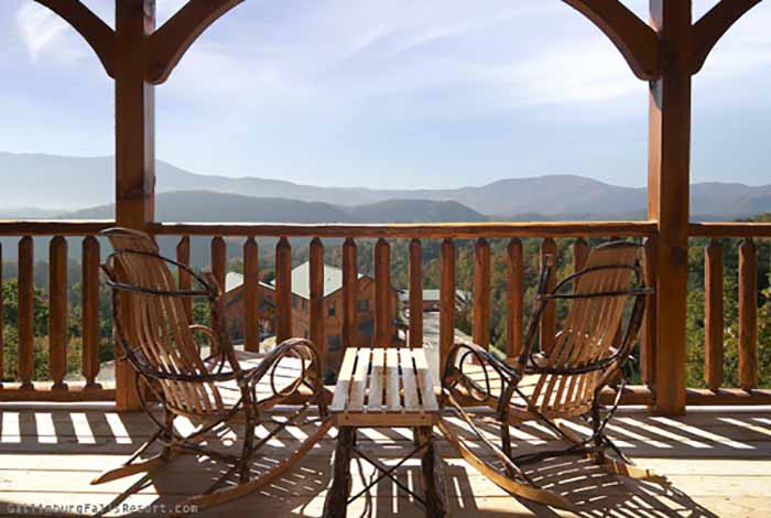 Gatlinburg cabin 5 star view 3 bedroom sleeps 12 for Www cabins of the smoky mountains com