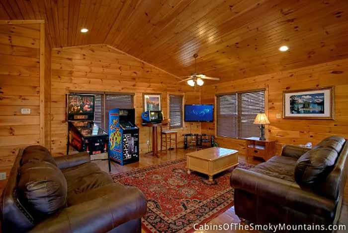 Gatlinburg Cabin 5 Star View 3 Bedroom Sleeps 15 Swimming Pool Access Pet Friendly
