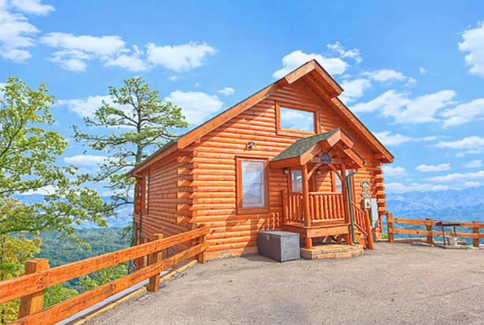 Pigeon forge cabin a rare find 1 bedroom sleeps 8 for 1 bedroom pet friendly cabins in gatlinburg tn