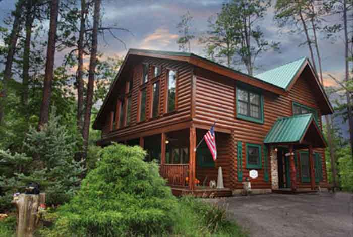 Pigeon forge cabin about time 4 bedroom sleeps 13 for Smoky mountain cabin rental with private pool