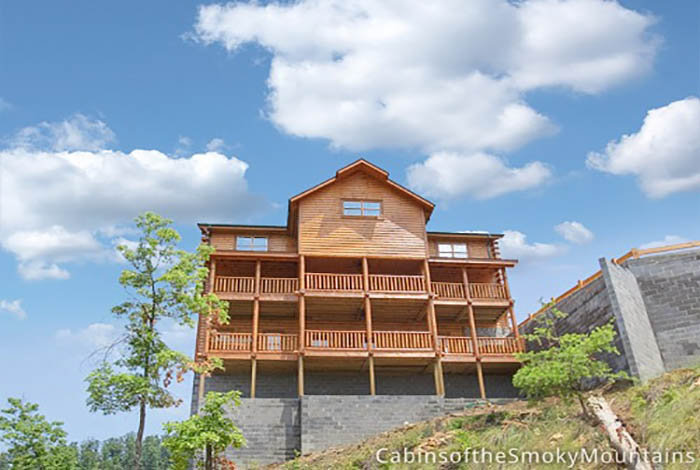 Pigeon Forge Cabin   Above The Stars   12 Bedroom   Sleeps 58   Jacuzzi    Bunk Beds   Home Theater
