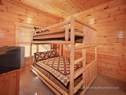 gatlinburg cabin majestic views 4 bedroom sleeps 12 bunk beds