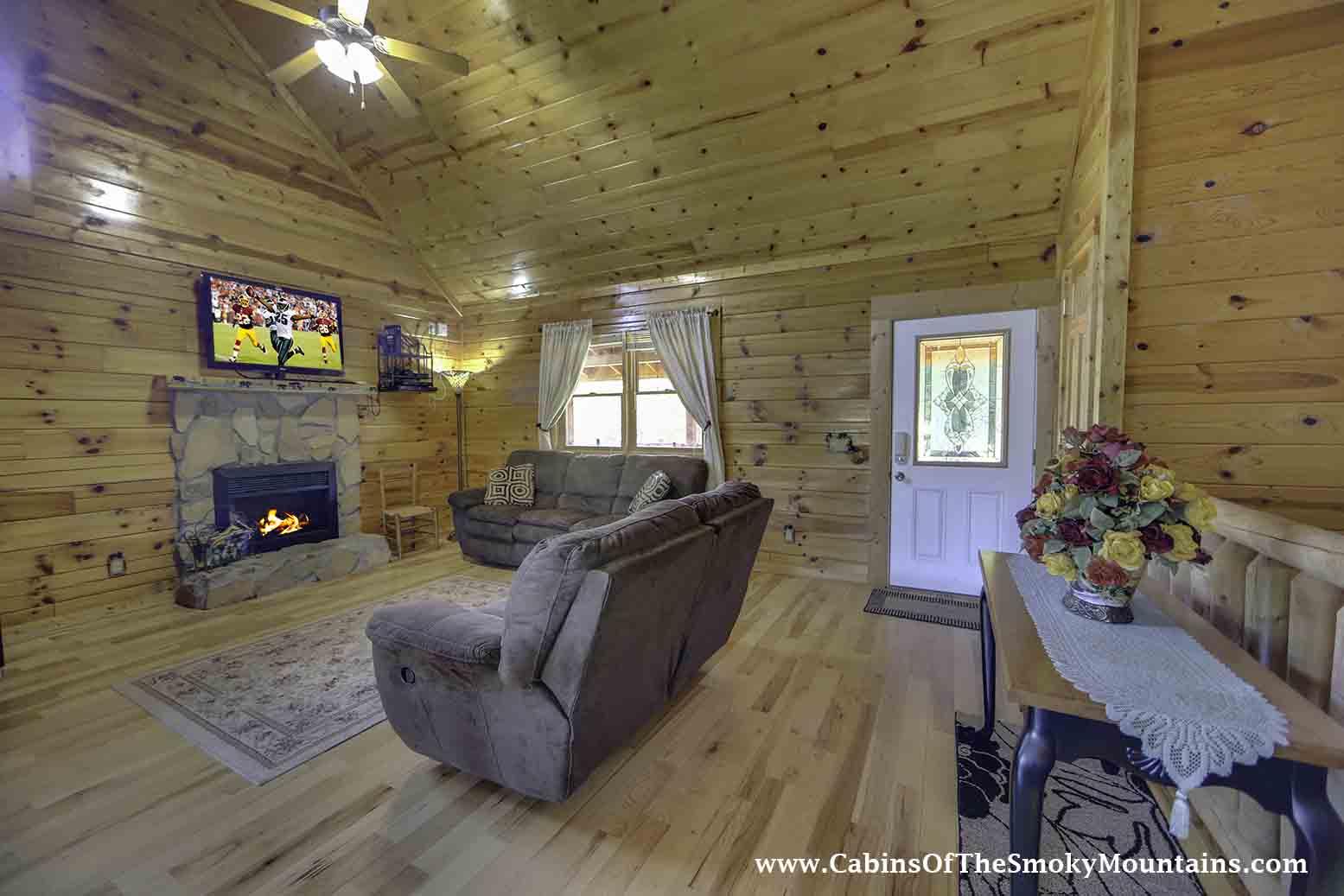 pigeon forge cabin autumn breeze retreat 2 bedroom