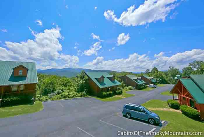 Gatlinburg cabin away for romance 1 bedroom sleeps 4 for Www cabins of the smoky mountains com