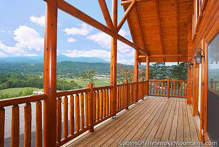 Pigeon Forge Cabin - Big Black Bear Lodge - 4 Bedroom - Sleeps 13 ...