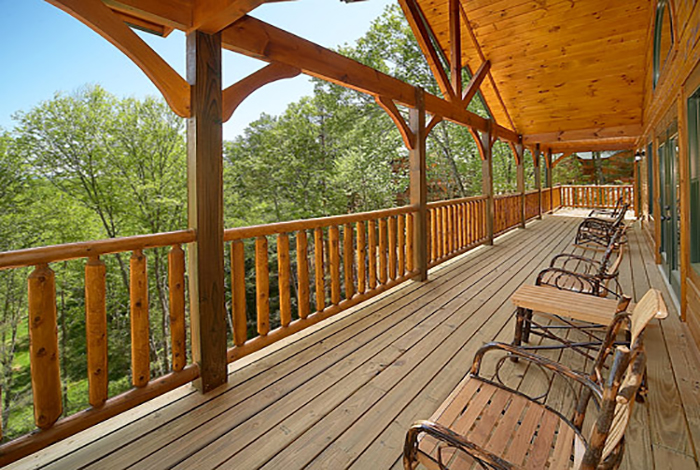 Gatlinburg cabin big sky lodge 7 bedroom sleeps 28 for Big sky cabin rentals