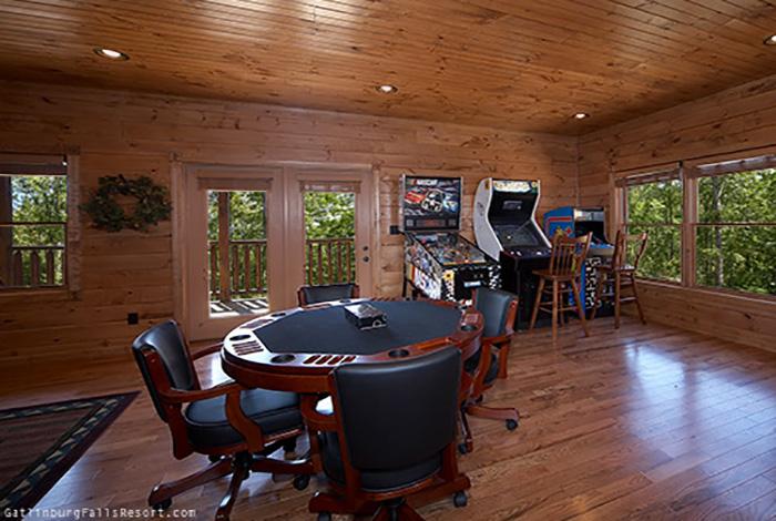 Gatlinburg Cabin Black Bear Bunkhouse 5 Bedroom