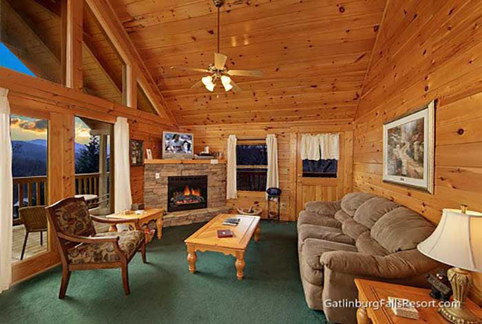 Gatlinburg cabin blue mist view 2 bedroom sleeps 6 for Two bedroom cabins in gatlinburg
