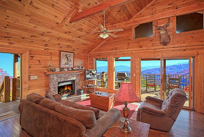 Pigeon forge cabin brave eagle 1 bedroom sleeps 4 jacuzzi for One bedroom cabins in smoky mountains