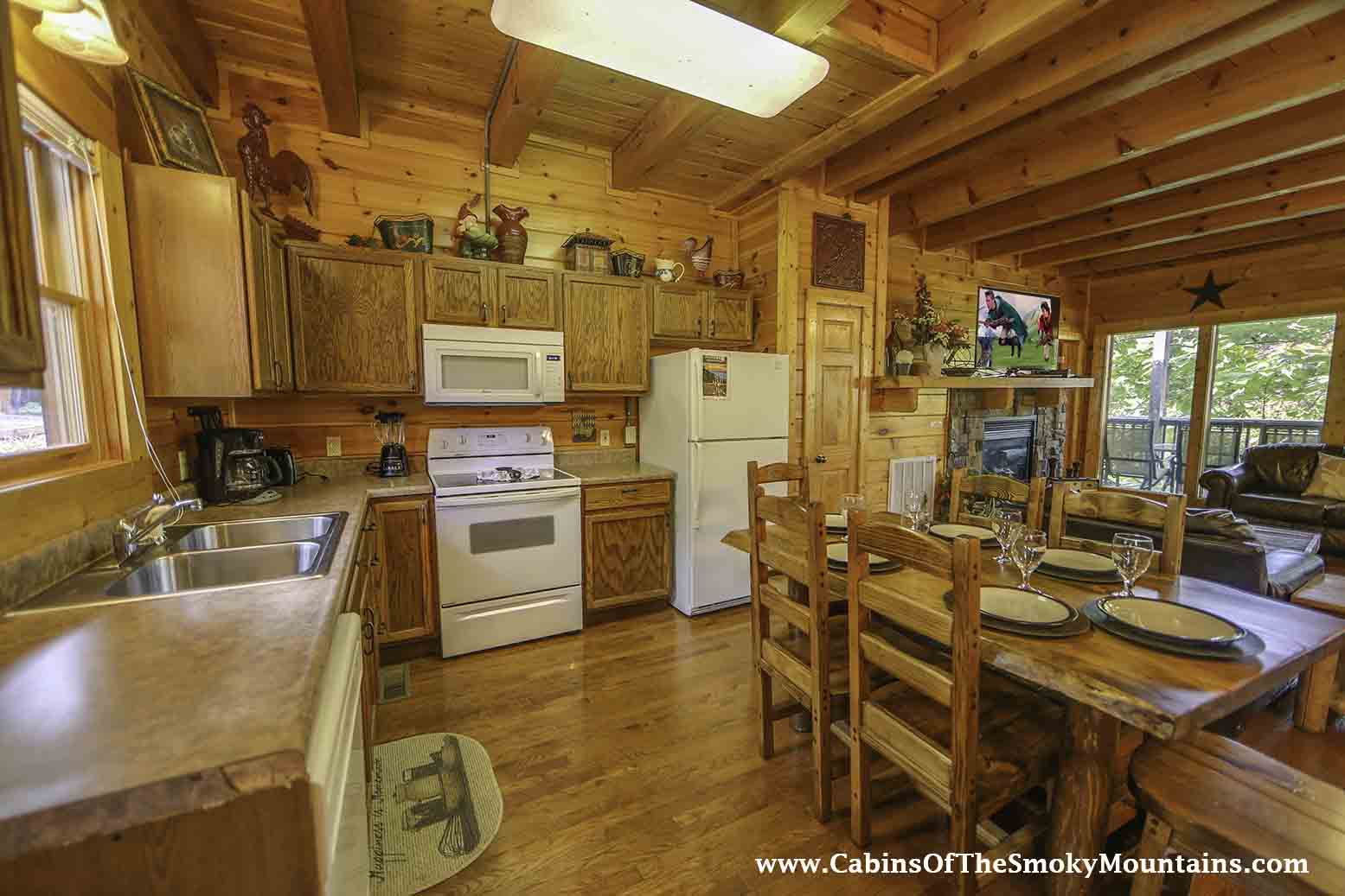 Pigeon forge cabin big bear retreat 7 bedroom sleeps 30 - 7 bedroom cabins in pigeon forge ...