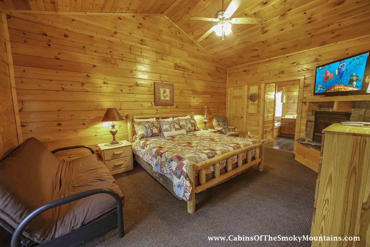 Pigeon Forge Cabin Big Bear Retreat 7 Bedroom Sleeps 30 Jacuzzi Bunk Beds Swimming