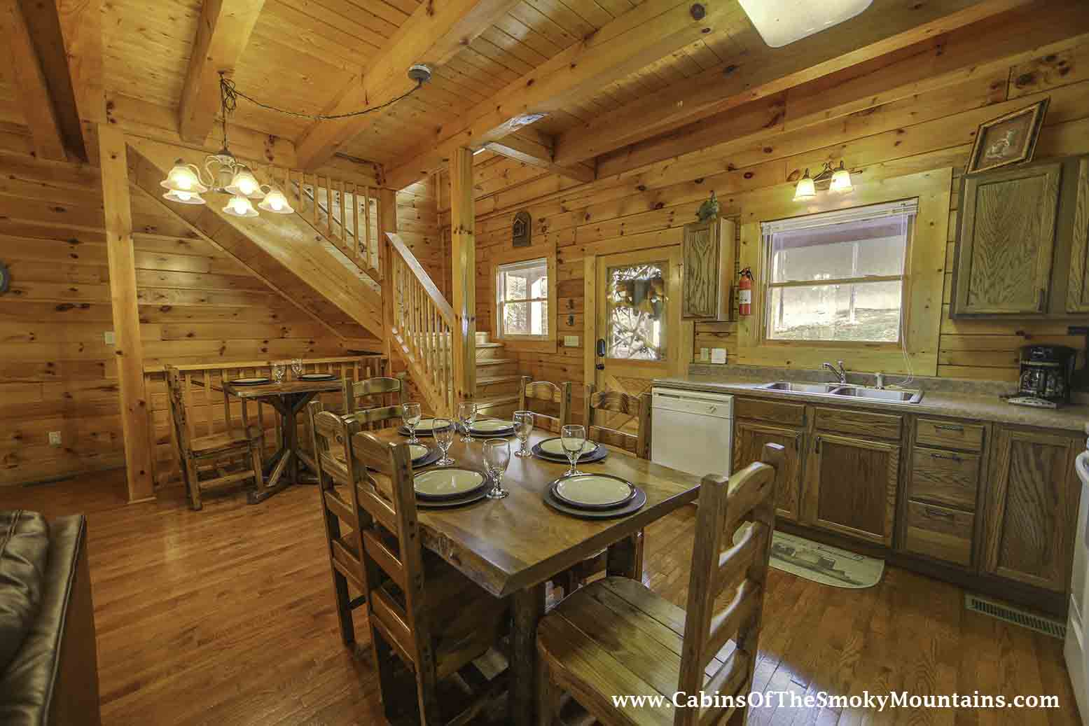Pigeon forge cabin big bear retreat 7 bedroom sleeps 30 for Usmc big bear cabins