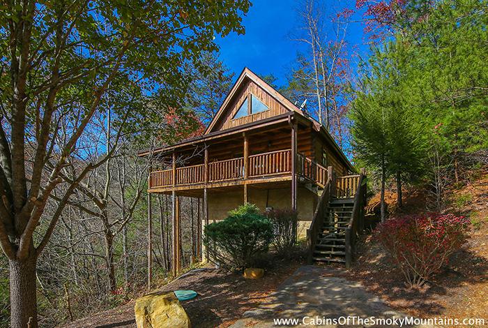 Pigeon forge cabin cozy creek hideaway 1 bedroom for Little bear cabin in gatlinburg tn