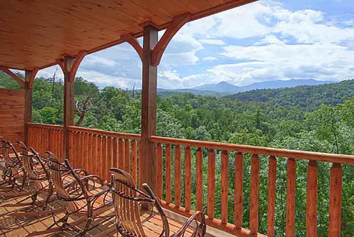 Gatlinburg Cabin Cypress Lodge 4 Bedroom Sleeps 14