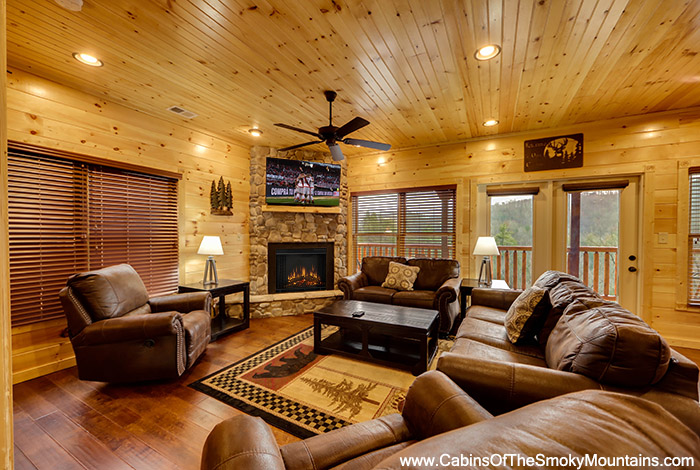 Pigeon forge cabin cypress lodge 4 bedroom sleeps 14 for Premier smoky mountain cabin rentals