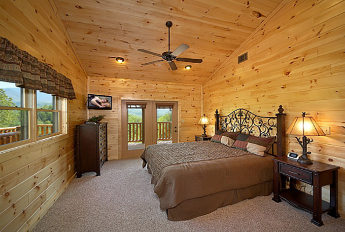 Gatlinburg cabin mountain view lodge 8 bedroom for 8 bedroom cabins in gatlinburg