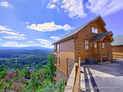 Pigeon forge cabin mountaintop delight 1 bedroom for Cabin rental smokey mountains