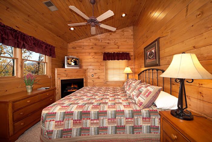 Gatlinburg Cabin Parkside 4 Bedroom Sleeps 12