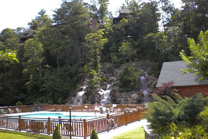 Pigeon forge cabin dogwood 1 bedroom sleeps 6 - Gatlinburg falls resort swimming pool ...