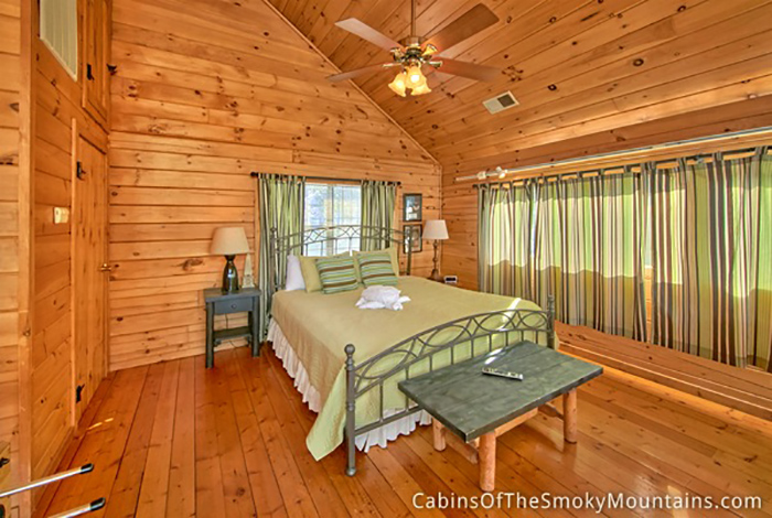 Pigeon forge cabin pure gold 1 bedroom sleeps 4 for 1 bedroom cabin pigeon forge
