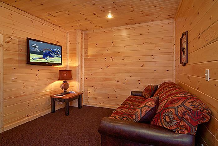 Pigeon forge cabin rejuvenation 2 bedroom sleeps 8 for Two bedroom cabins in gatlinburg