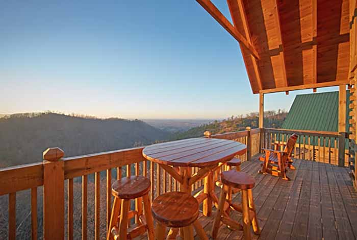 Pigeon forge cabin eagle 39 s point 3 bedroom sleeps 12 for Eagles view cabin sevierville tn