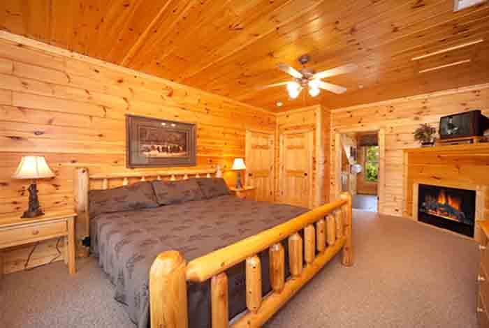 Gatlinburg Cabin Eight Is Enough 8 Bedroom Sleeps 24 Jacuzzi Bunk Beds Swimming Pool