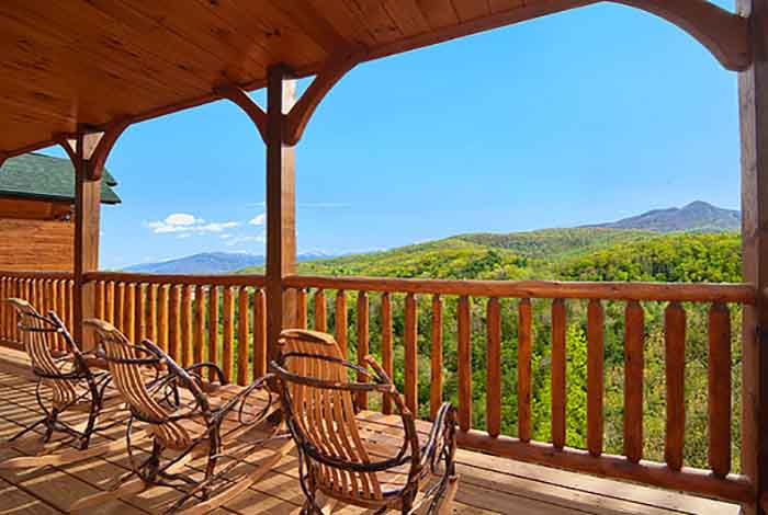 Pigeon forge cabin eternally yours 3 bedroom sleeps 10 for Smoky mountain cabin specials