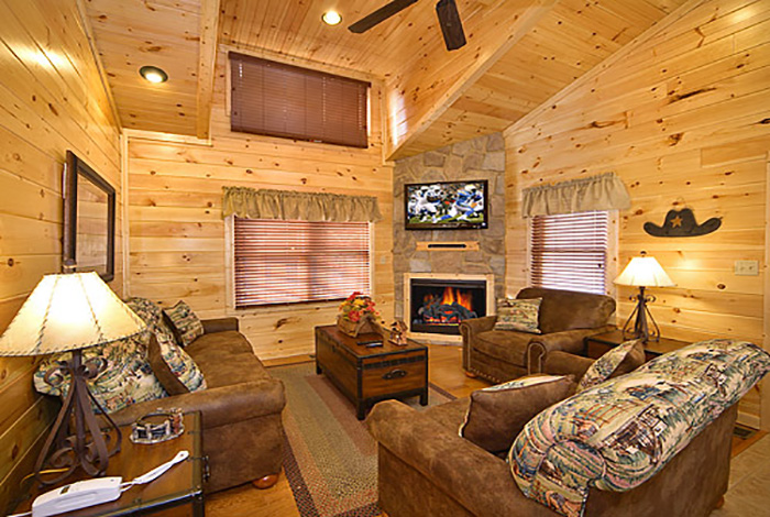 Pigeon forge cabin rocky top 2 bedroom sleeps 8 for Premier smoky mountain cabin rentals