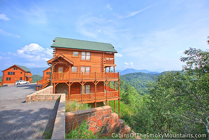 Pigeon forge cabin happy place from for Cabins for rent in gatlinburg and pigeon forge