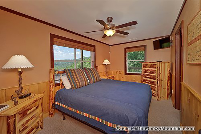 bed set furniture pigeon forge cabin smokies tower 6 bedroom sleeps 19 10252