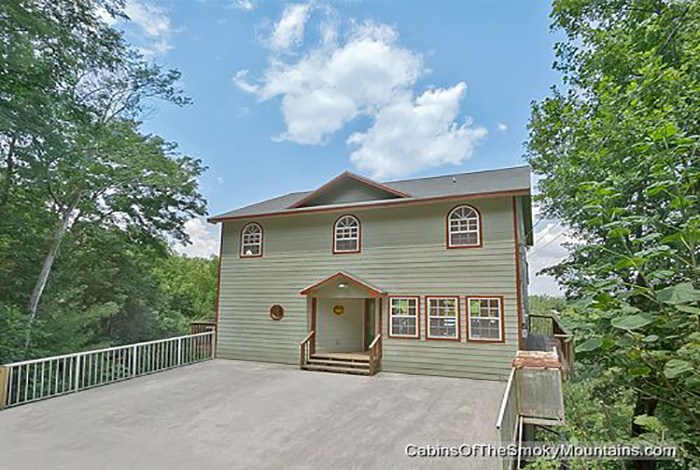 Pigeon Forge Cabin Smokies Tower 6 Bedroom Sleeps 19 Swimming Pool Access Home Theater