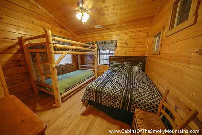 Pigeon Forge Cabin Hawk 39 S Nest 6 Bedroom Sleeps 16