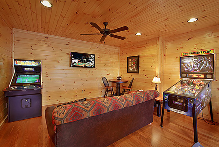 Pigeon forge cabin smoky mountain heaven 1 bedroom sleeps 8 for 3 bedroom cabins in smoky mountains