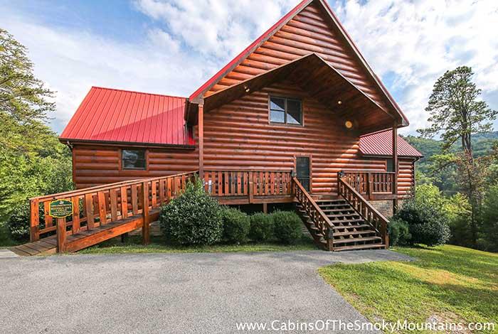Pigeon forge cabin hidden owl lodge 4 bedroom sleeps 19 for Discount smoky mountain cabin rentals