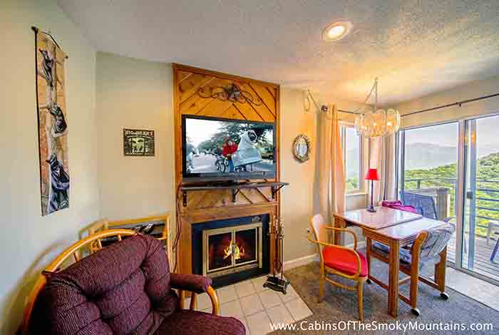 Gatlinburg Cabin I Can See For Miles 1 Bedroom Sleeps 4 Swimming Pool Access Swimming