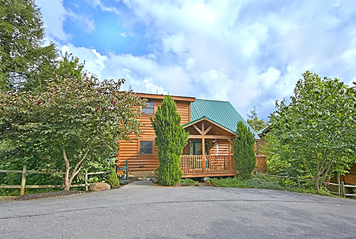 gatlinburg cabin smoky mountain ridge from
