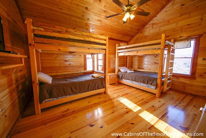 Wears Valley Cabin Jennie 39 S Cove 6 Bedroom Sleeps 16 Bunk Beds Home Theater