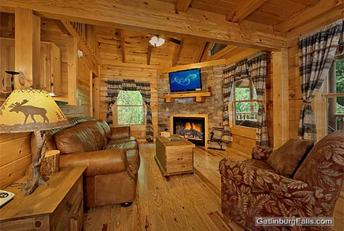 Gatlinburg Cabin   Stoneu0027s Throw   1 Bedroom   Sleeps 6   Jacuzzi    Swimming Pool Access   Pet Friendly